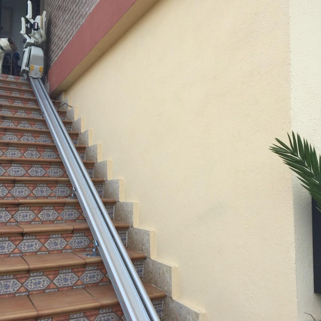 Silla salvaesaleras recta en Oviedo