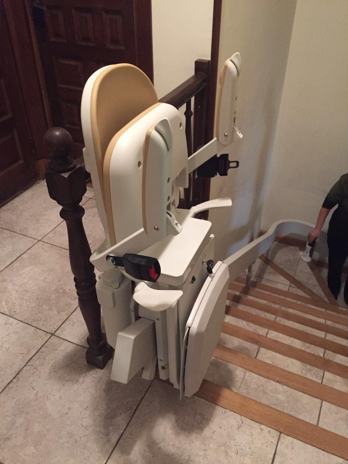 Tipos de sillas salvaescaleras en galicia for Silla salvaescaleras