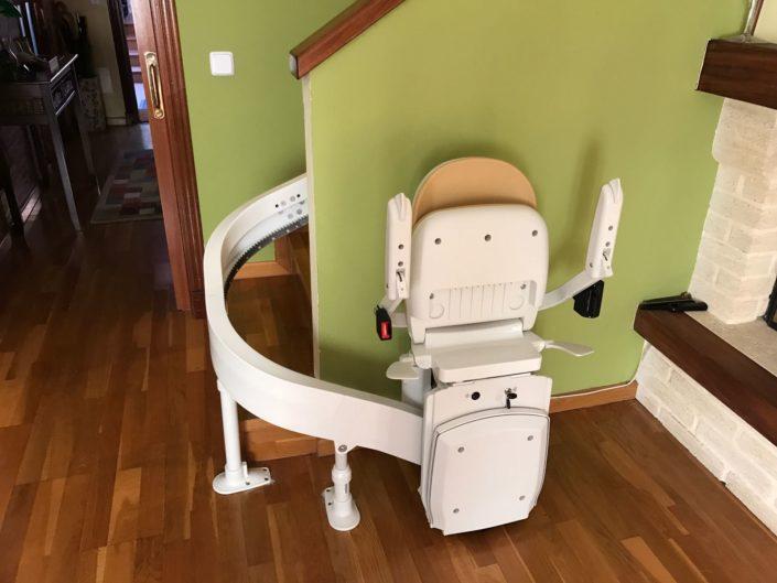silla salva escaleras curva en Asturias
